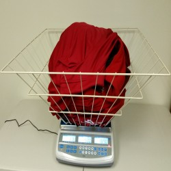 brecknell-laundromat-computing-scale-with-basket.jpg
